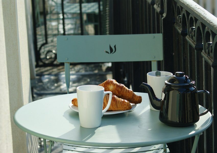 Le Petit Lafayette balcon petit déjeuner
